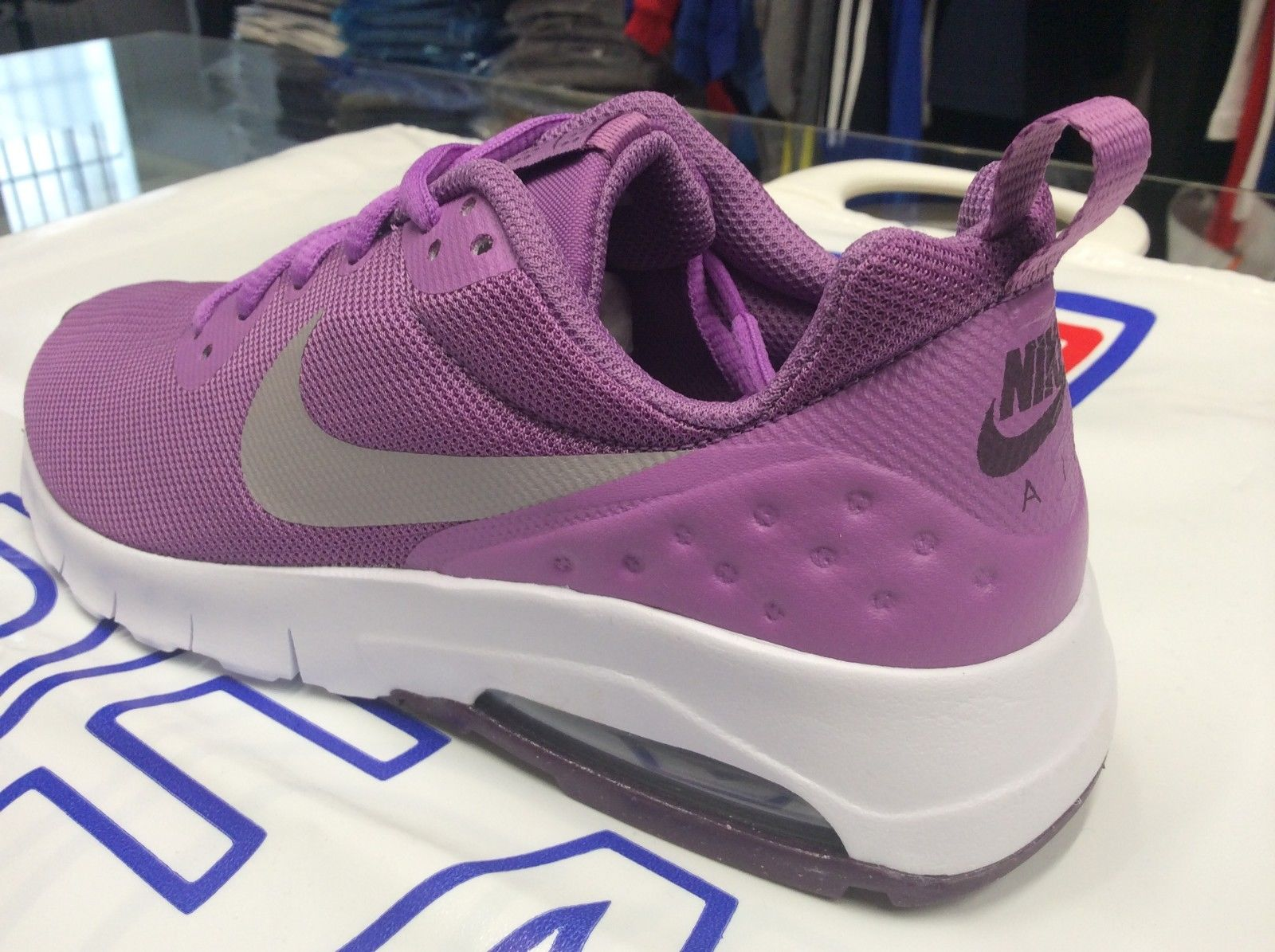 the best attitude e763d f07be ... SCARPA-BAMBINA-NIKE-AIR-MAX-MOTION-LW-art- ...